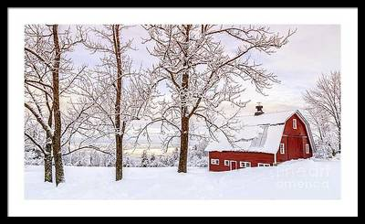 Upper Valley Photographers Captures Beautiful New Hampshire Barns