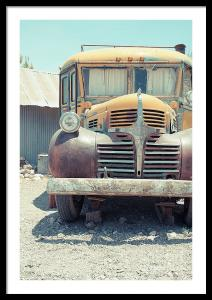 Photographer Captures Abandoned School Buses In The American Southwest Desert